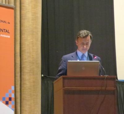 El presidente de la AEEIA, Íñigo M.ª Sobrini Sagaseta de Ilúrdoz, clausuró el CONEIA 2015 recordando que la evaluación ambiental aún tiene por delante numerosos retos.