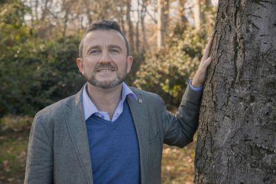 Entre otros temas, Gonzalo Anguita, director ejecutivo de FSC España, nos cuenta en la entrevista cuál es la situación normativa de la gestión forestal en España, las comunidades autónomas que mejor y peor lo están haciendo y  los problemas a los que se enfrenta el sector en la actualidad.