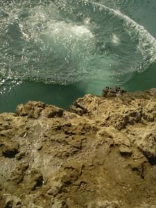 Investigadores han desarrollado una fórmula interdisciplinaria para calcular el valor de los recursos naturales, como el agua subterránea antes de ser bombeada a la superficie y utilizada.