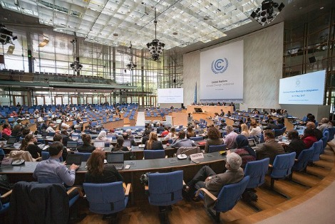 Durante los 10 días del evento, se han abordado distintos temas clave, entre ellos, el desarrollo de lo que se conoce como «reglamento» (rulebook) del Acuerdo de París. Este documento recoge el detalle sobre la manera de aplicar el Acuerdo de París y deberá estar concluido para la COP24 de 2018.