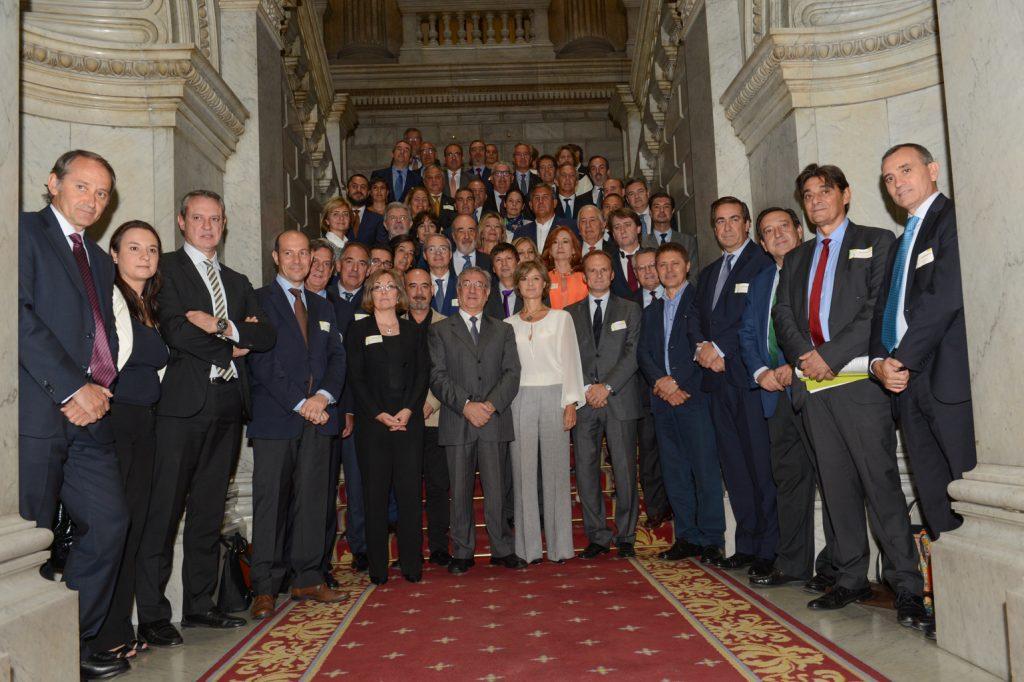 En el transcurso de la jornada sobre la «Estrategia Española de Economía Circular», fue presentado el «Pacto por una Economía Circular», al que ya se han adherido 53 empresas españolas y que persigue el avance hacia una economía descarbonizada y sostenible.