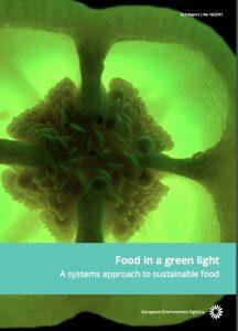 Las formas en que se producen y consumen los alimentos también influyen en el progreso hacia otros importantes objetivos y metas recogidas en una gama amplia de áreas políticas europeas tales como la mitigación y adaptación al cambio climático, la economía circular, la bioeconomía, la biodiversidad y la protección de la naturaleza.